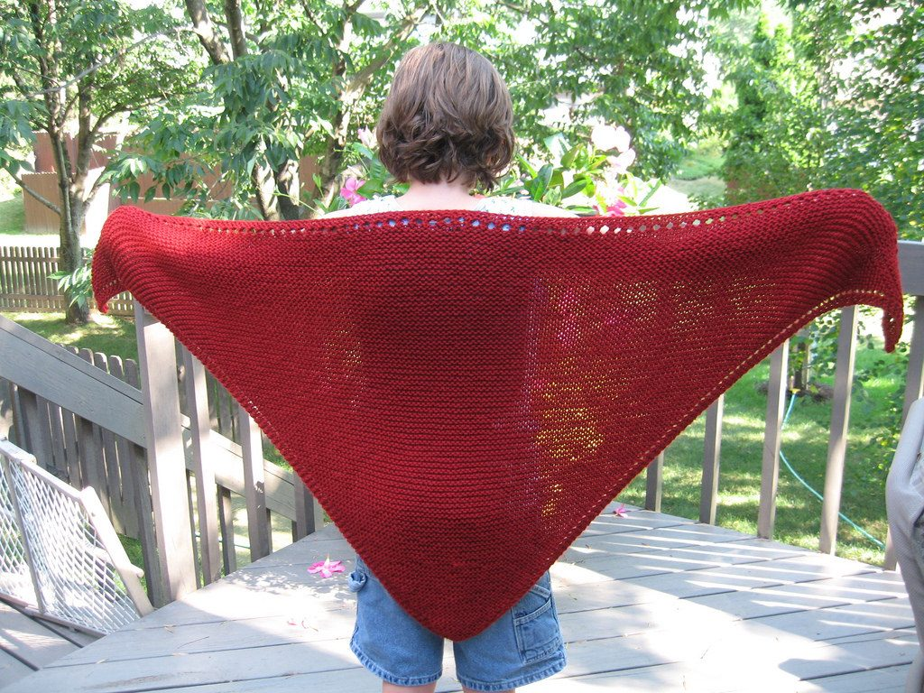 Triangular Prayer Shawl Knit Pattern | Knitting Things