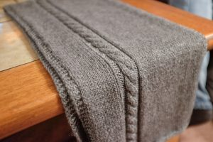 How to Hand Knit an Extra Long Men's Scarf Easy