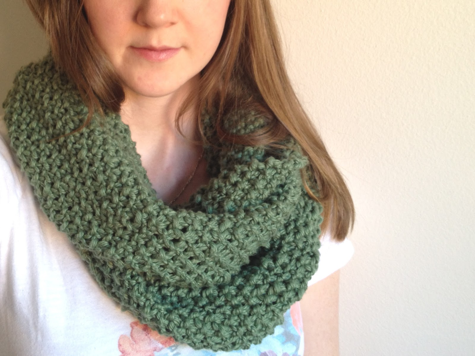 Free Pattern to Knit an Infinity Scarf for Beginners ...