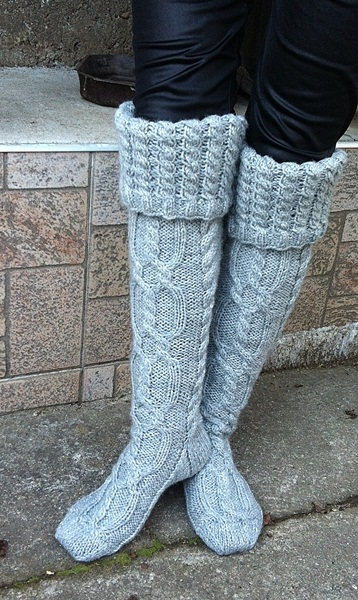 White Chunky Thick Cable Knit Knee High Socks