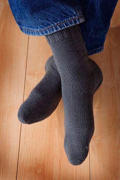 Knitting Pattern Toe-up Men's Socks on Circular Needles